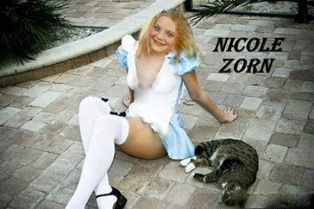 Nicole.Zorn.Pussy.Legs